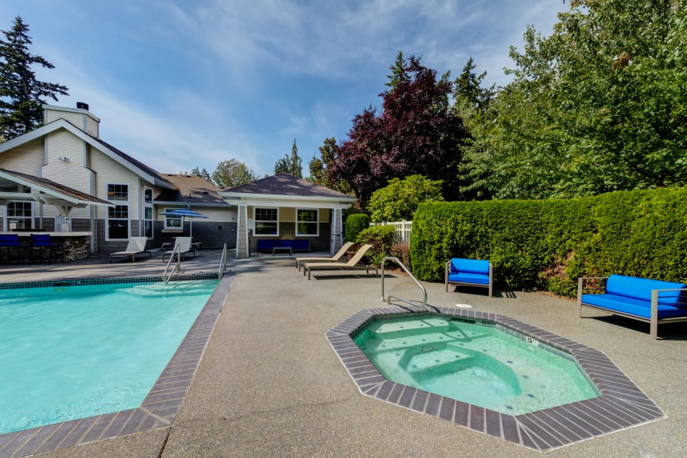 Pool and spa at Bradley Park Apartments in Puyallup