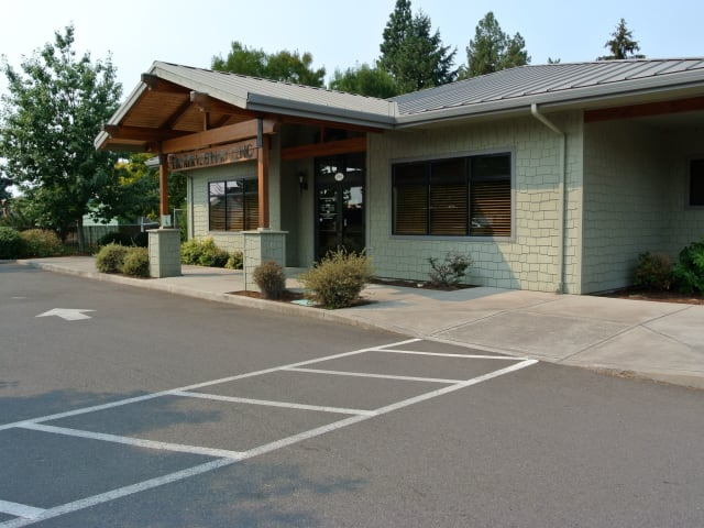 Front entrance to The Ark Veterinary Clinic in Eugene, Oregon