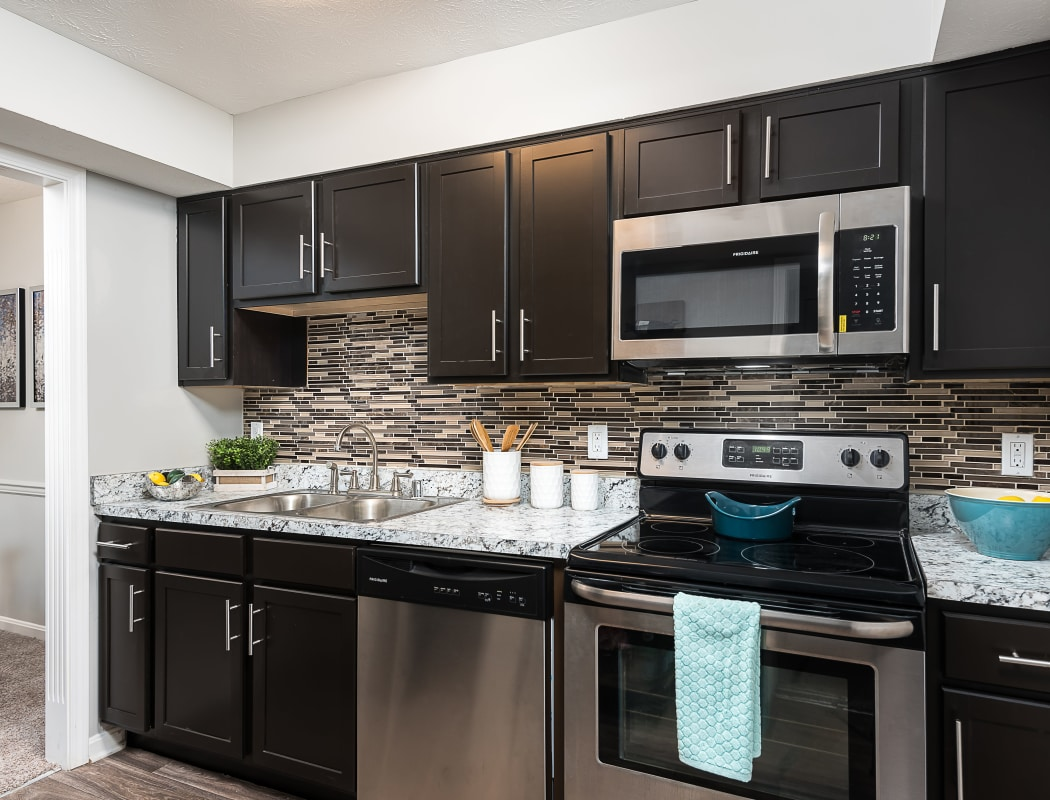 Beautiful apartment features await at Park at Hurstbourne in Louisville, Kentucky