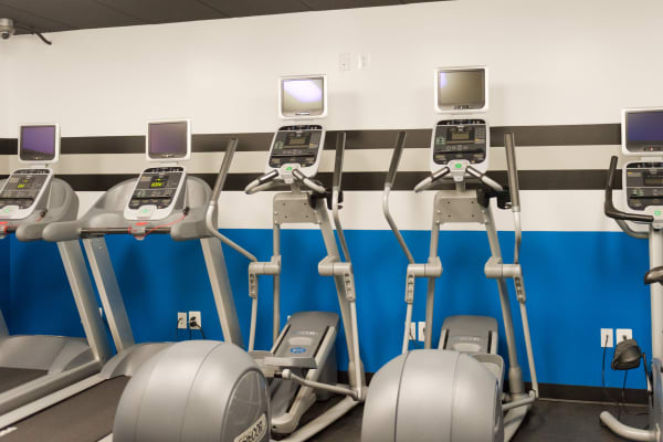 Fitness center at Bennington Crossings Apartment Homes in Alexandria, Virginia