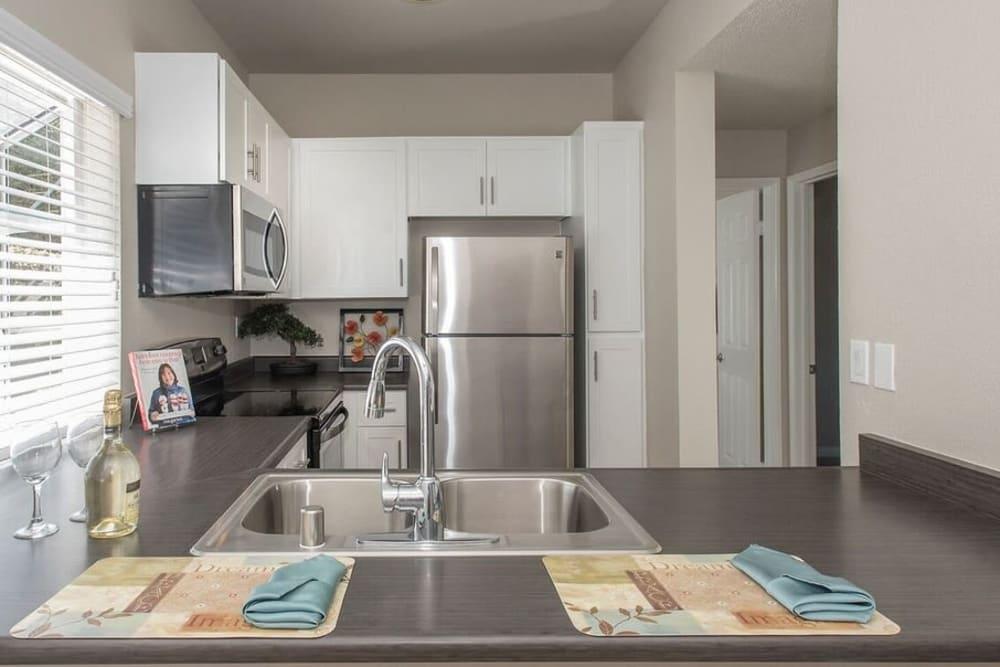 A luxury apartment kitchen at Niguel Summit Condominium Rentals in Laguna Niguel, California