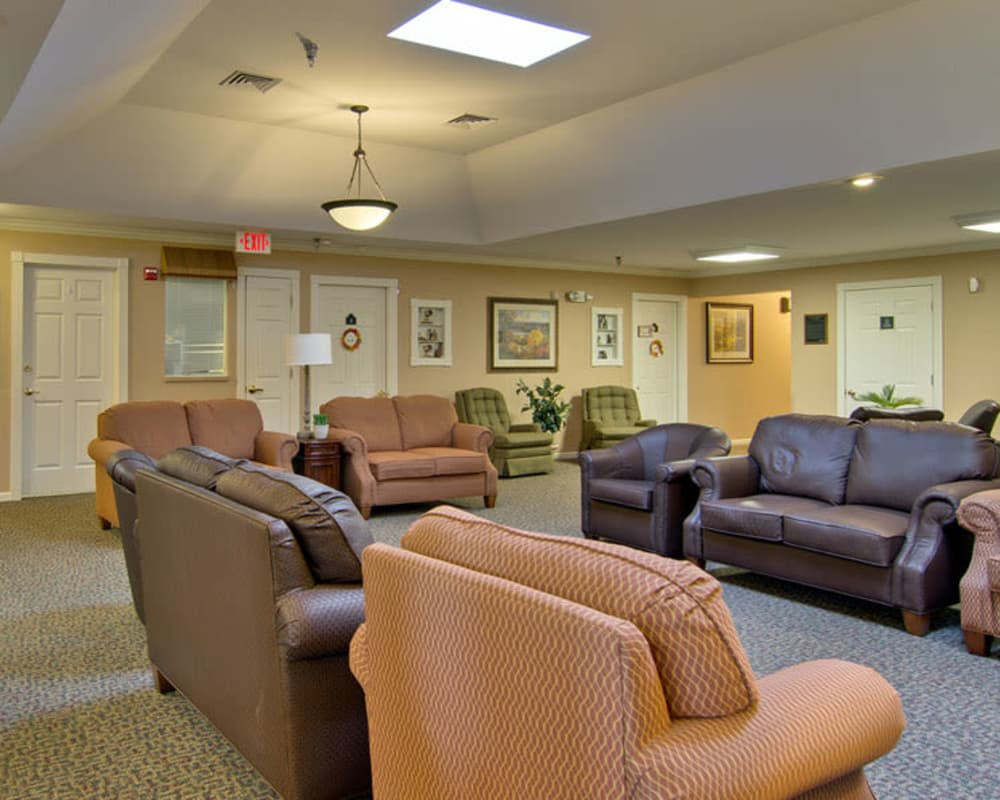 Cozy lounge area at Bluff Creek Terrace Senior Living in Columbia, Missouri