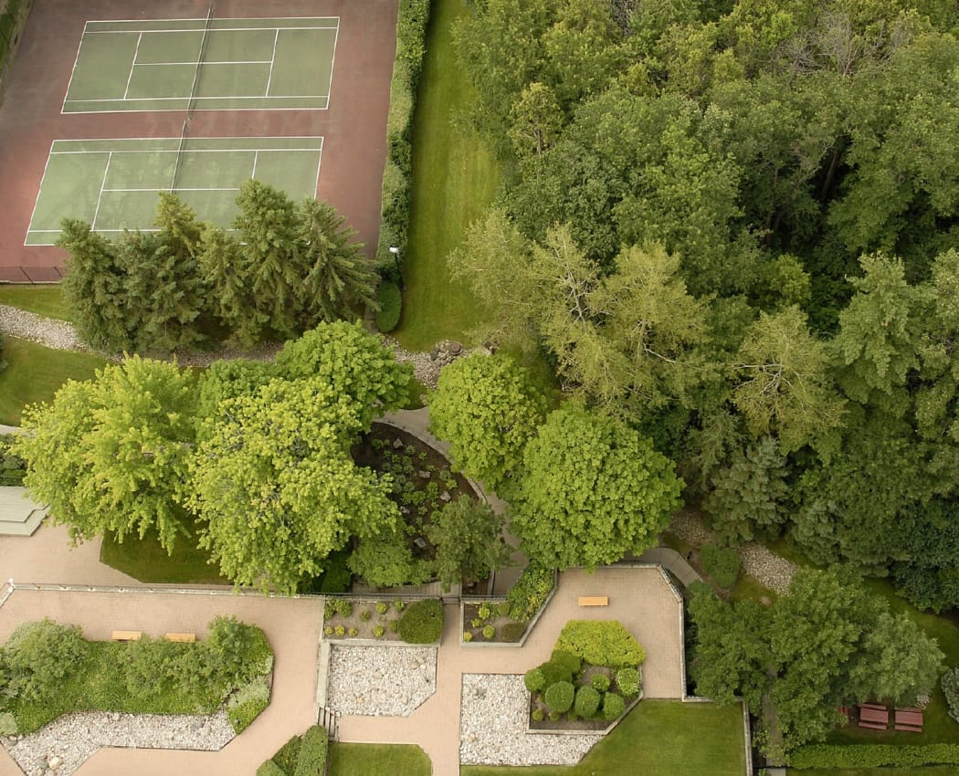 Aerial view of 10 Lisa tennis courts