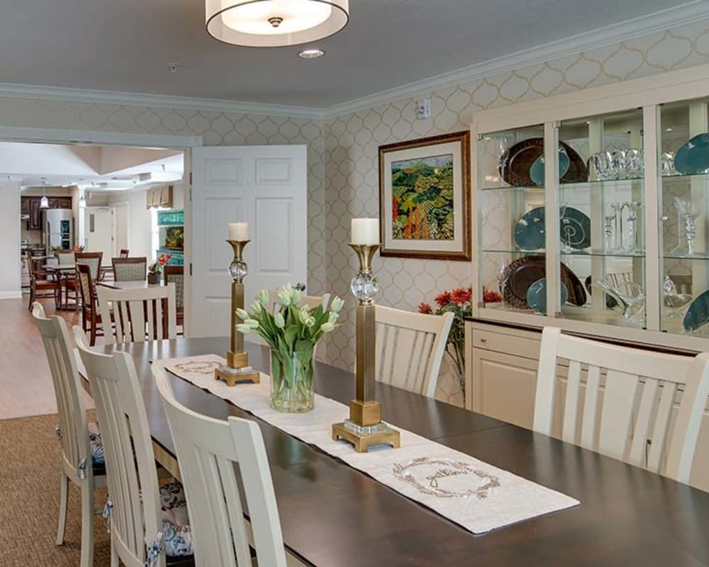 Well decorated dining area table at Carrington Place in Pittsburg, Kansas