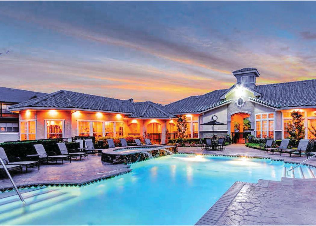 Pool at The Gates at Buffalo Ridge Apartments
