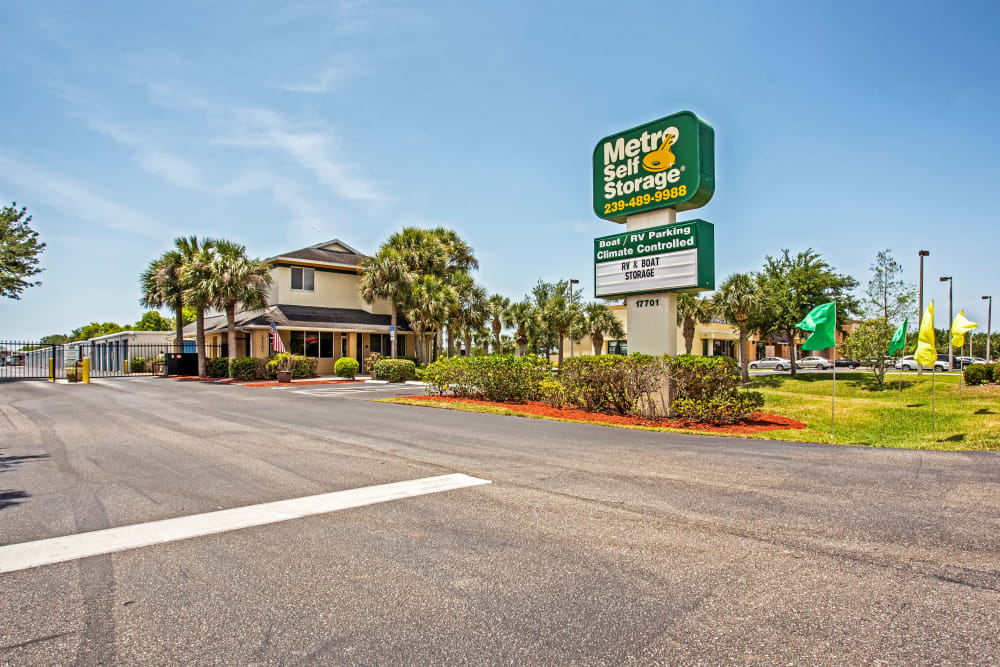 Facility exterior view at Metro Self Storage in Fort Myers, Florida