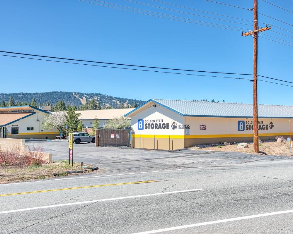 Exterior of Golden State Storage - Big Bear in Big Bear, California