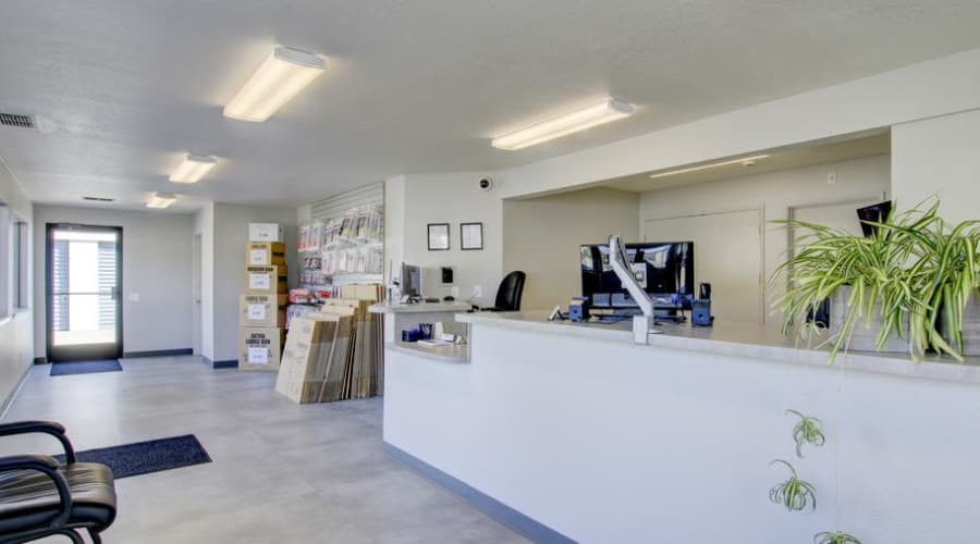 Spacious and comfortable new office in Woodland, California