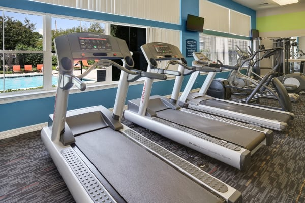 You'll love the community fitness center at Elevate at Red Rocks!