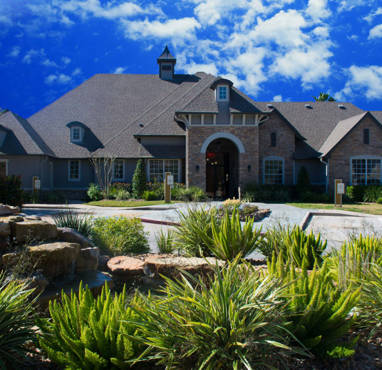 Clubhouse at Hyde Park at Lake Wyndemere in The Woodlands, TX