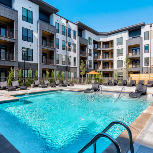 Check out the amenities at Echelon Luxury Apartments in Cincinnati, Ohio