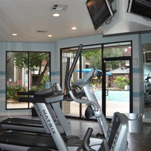 View virtual tour of our fitness center at Circle at Point Park in Houston, Texas