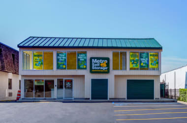 Metro Self Storage location in Oakdale, New York.