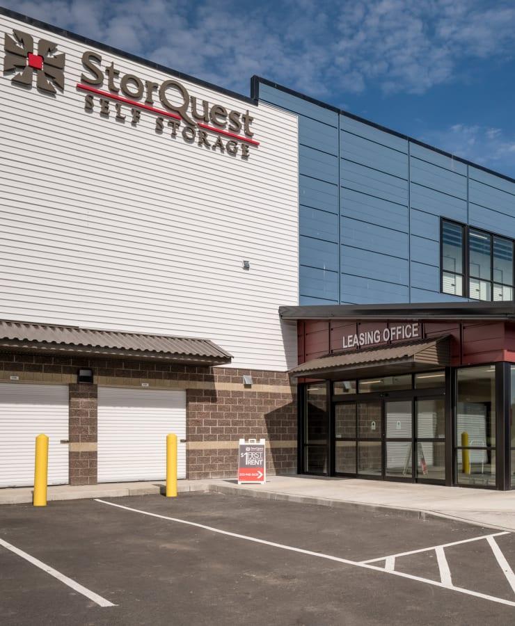 Facade and parking at StorQuest Self Storage in Redmond, Washington
