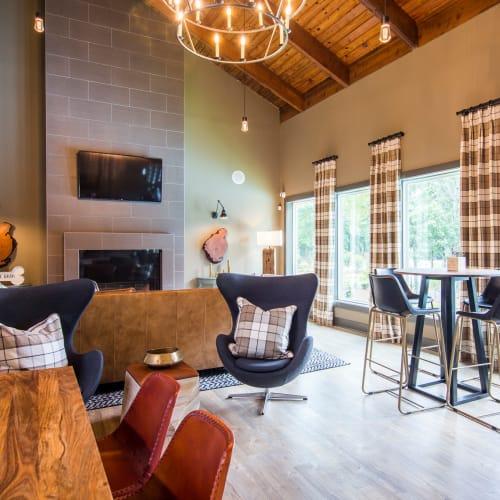 Resident Lounge at The Overlook Sandy Springs in Atlanta, Georgia
