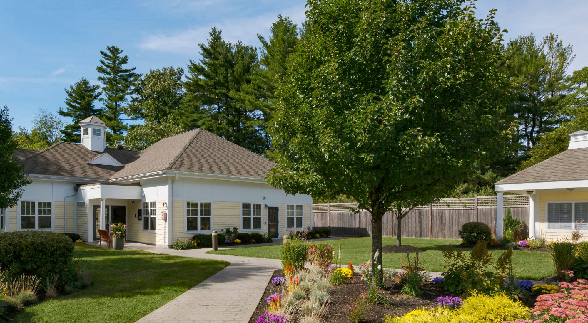 Apply to live at Regency Place in Wilmington, Massachusetts