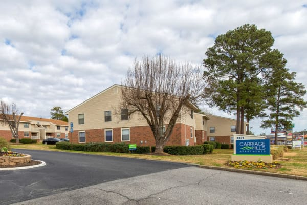 Carriage Hills apartments in Macon, Georgia