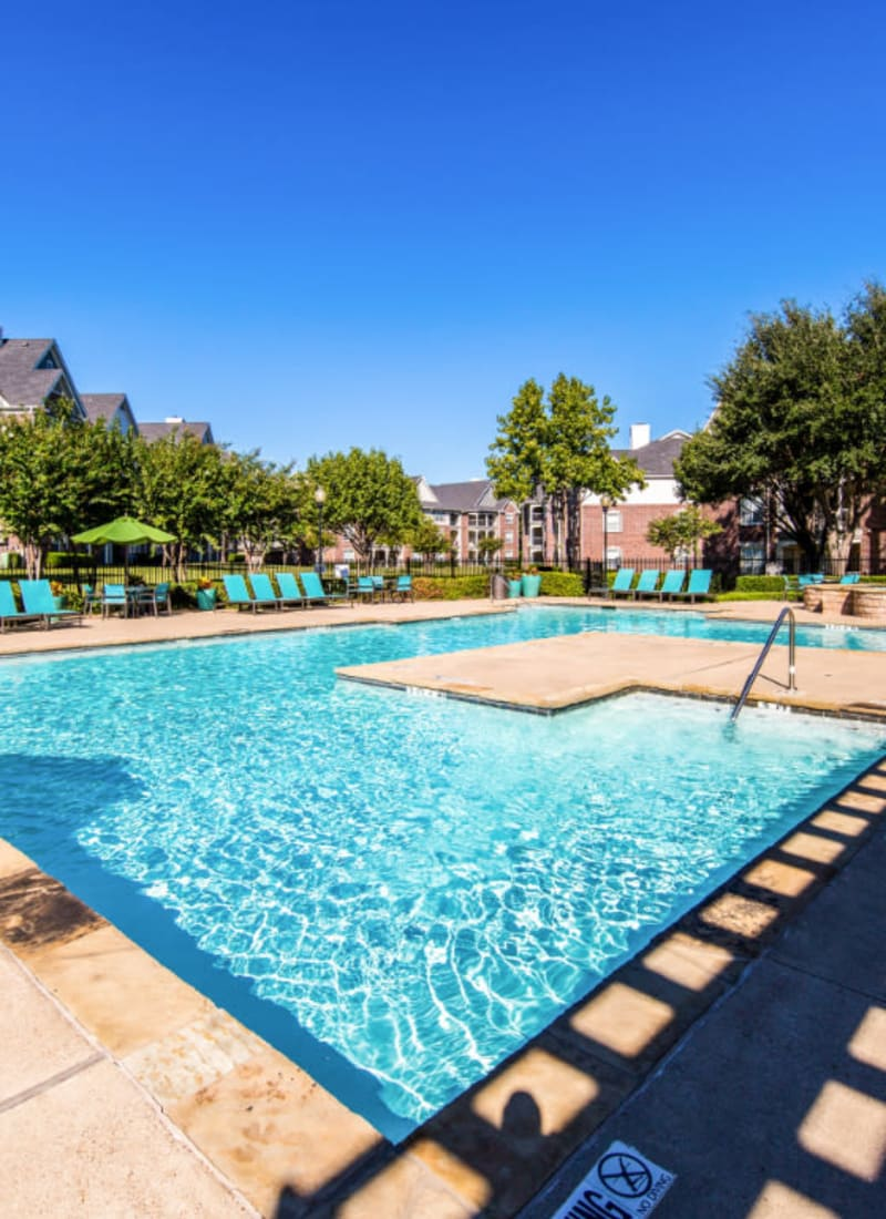 View our amenities at Marquis at Silver Oaks in Grapevine, Texas