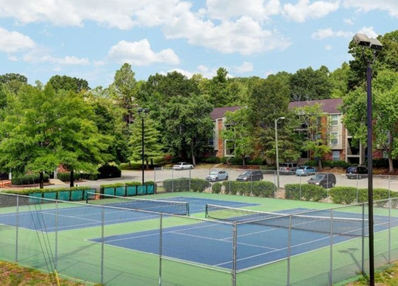 Well-maintained onsite tennis courts at Allegro on Bell in Antioch, Tennessee