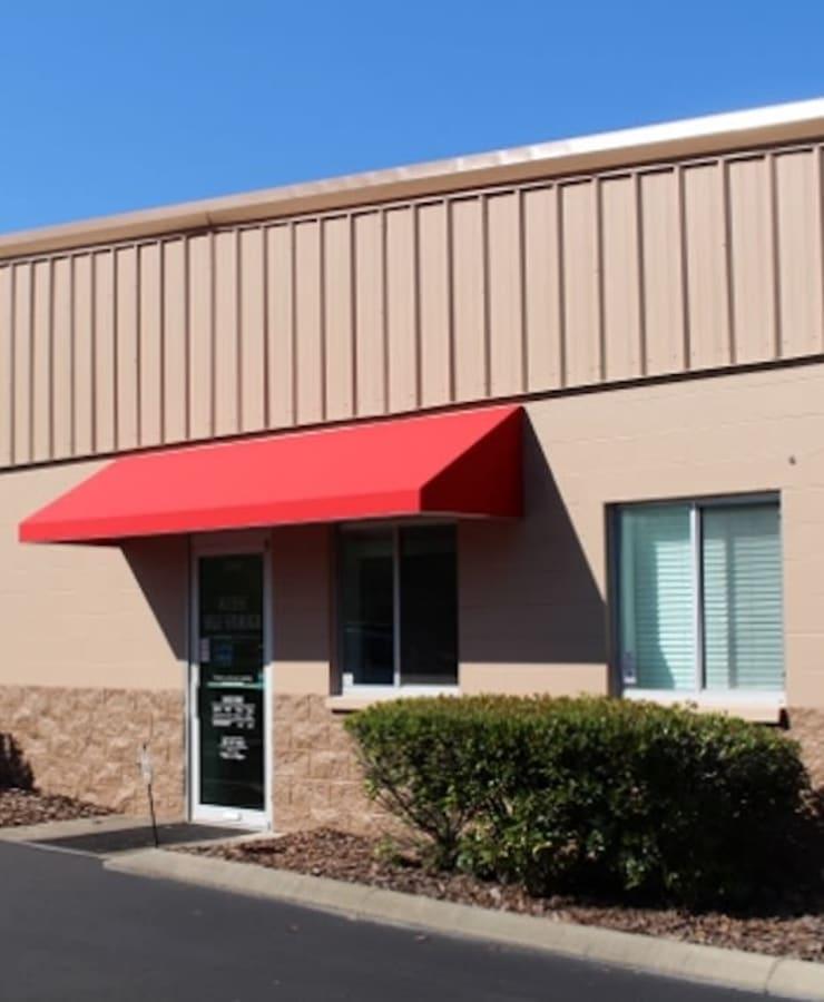 Exterior at StorQuest Self Storage in Gainesville, Florida