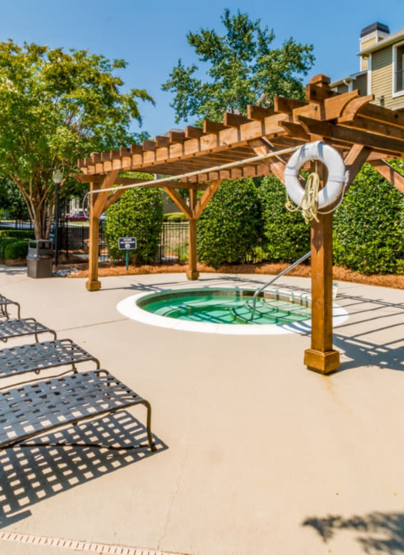 View our amenities at Marquis at Carmel Commons in Charlotte, North Carolina