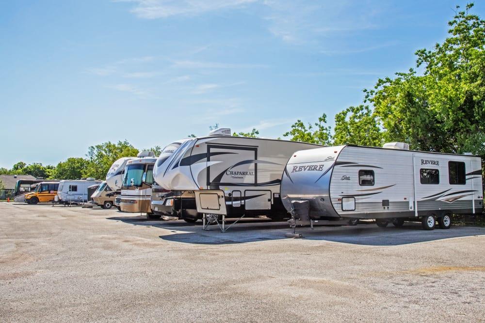 Metro Self Storage offers RV and boat storage in La Marque, Texas