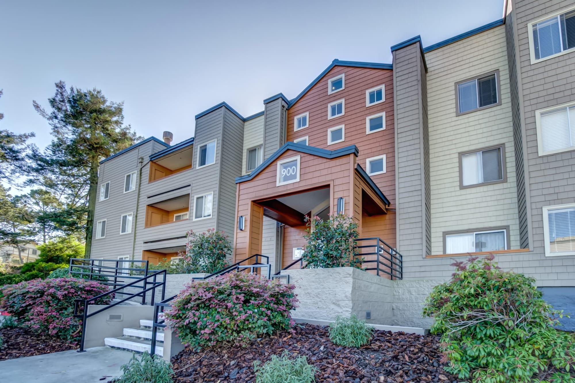 Exterior Of Apartment at Serramonte Ridge Apartment Homes