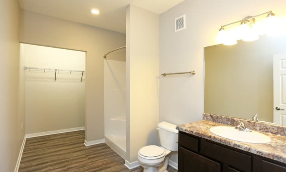 Large open bathroom at Johnston Gardens in Johnston, Iowa