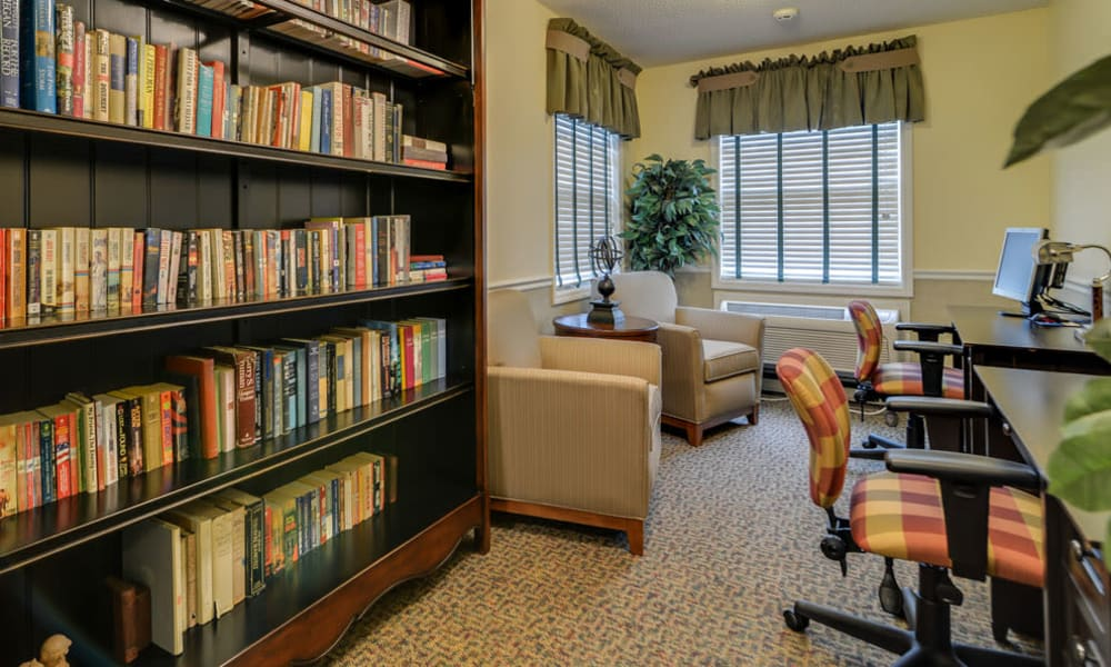 Library and computer lounge at The Arbors at WestRidge Place in Sikeston, Missouri