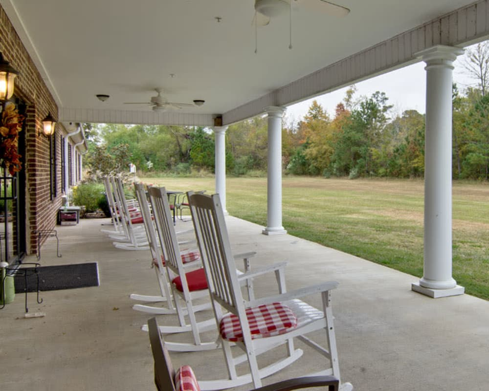 Covered outdoor seating at Montgomery Gardens in Starkville, Mississippi