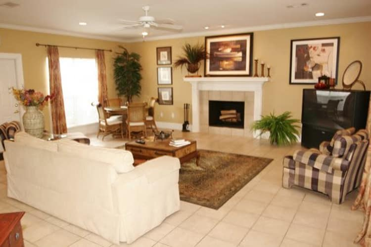 Living room at Twin Oaks in Hattiesburg, Mississippi