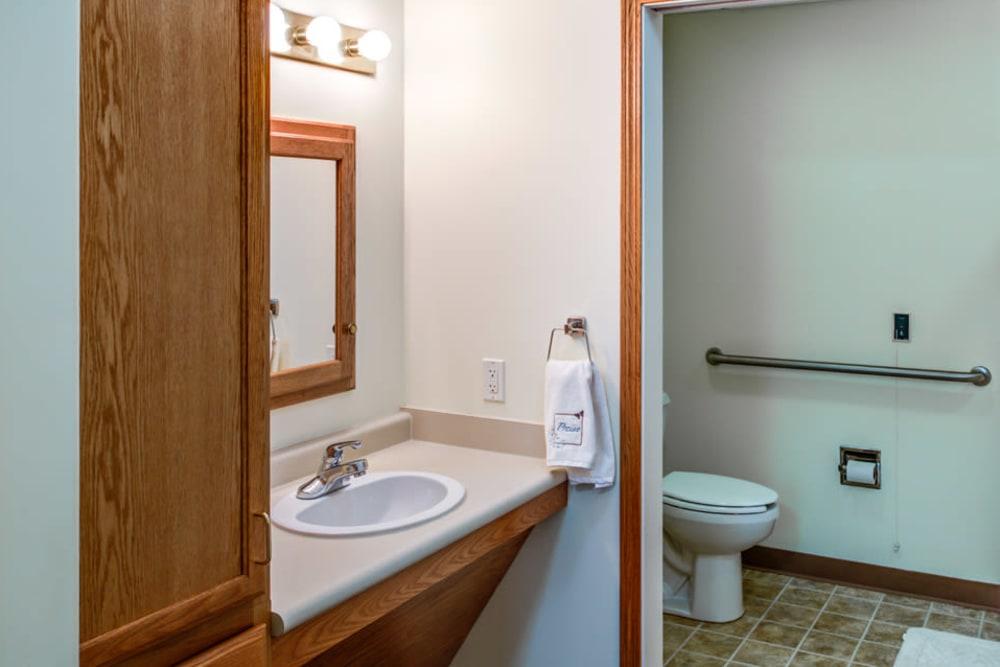 Residents have private bathrooms at Prairie Hills Tipton in Tipton, Iowa.