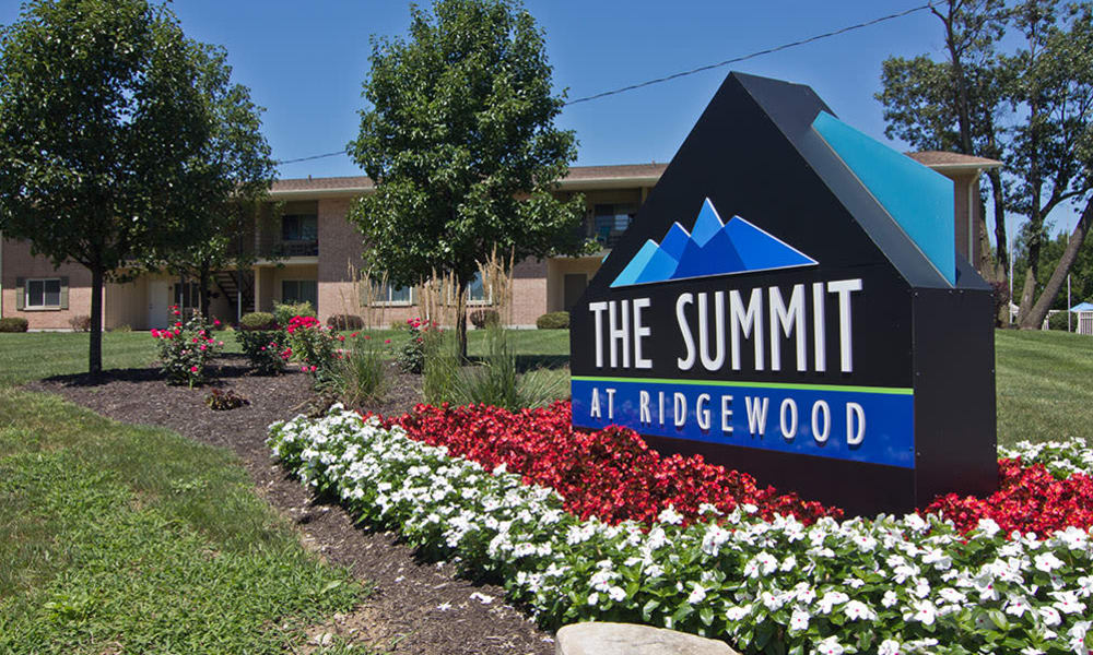 Welcome to The Summit at Ridgewood located in Fort Wayne, IN