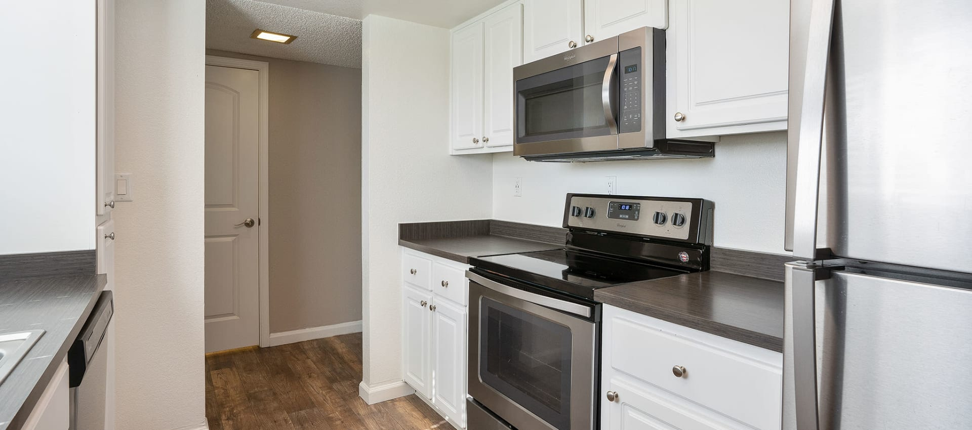 Luxury kitchen at Ridgecrest Apartment Homes in Martinez, California