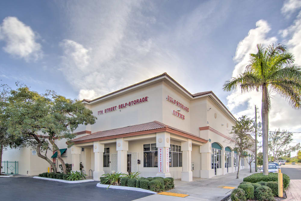Exterior view of Prime Storage in West Palm Beach, Florida