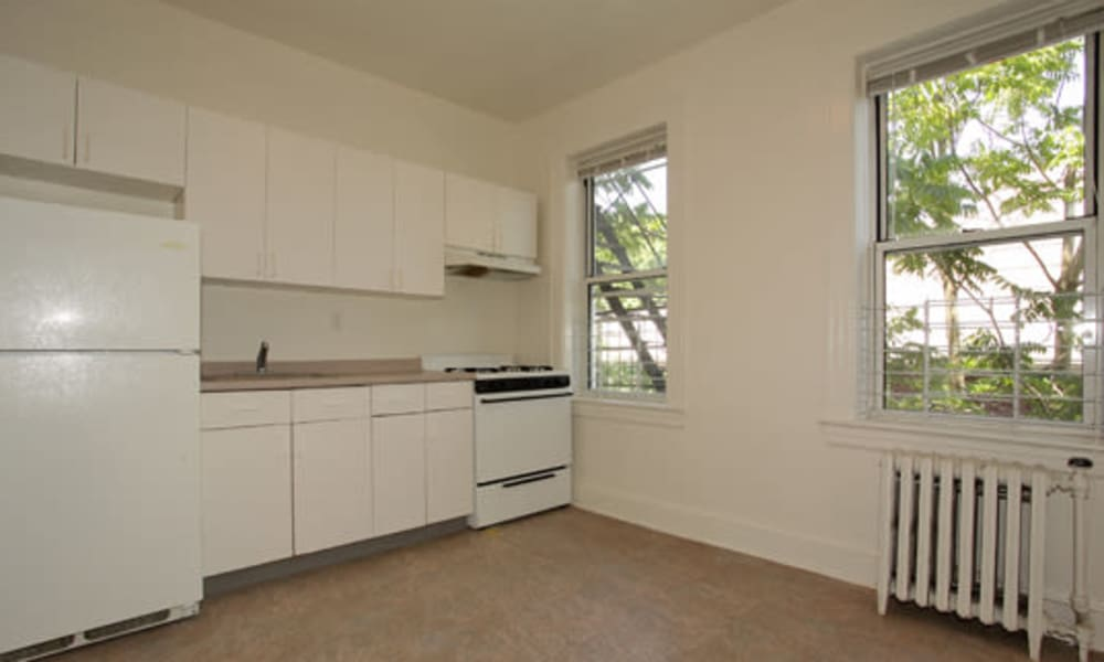 Enjoy apartments with a spacious kitchen at Berkeley Arms Apartment Homes