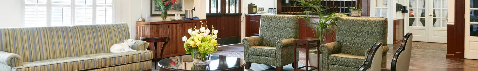 Assisted living services at Regency Park Oak Knoll