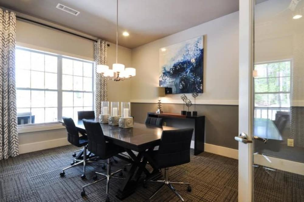 Modern dining room at Arbor Village in Summerville, South Carolina