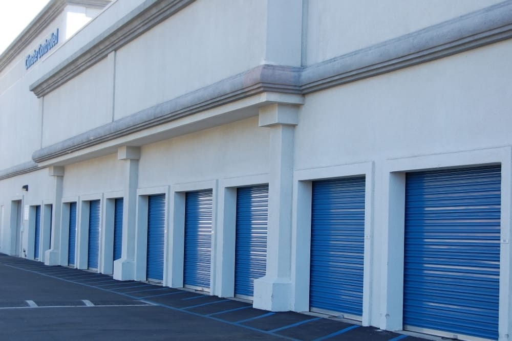Drive Up Storage Units at Storage Etc... Woodland Hills