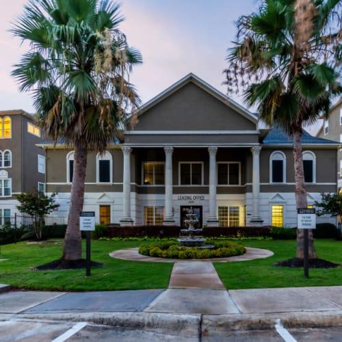 Resident referral bonus at Marquis at Stone Oak in San Antonio, Texas
