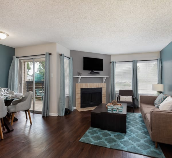 The Gallery at Katy offers spacious 1, 2 & 3 bedroom apartments for rent in Katy