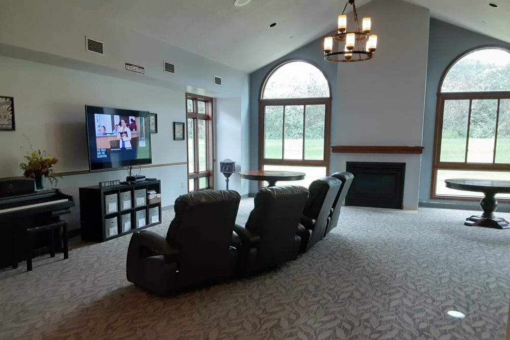 Resident TV and common room at The Atrium in Rockford, Illinois.