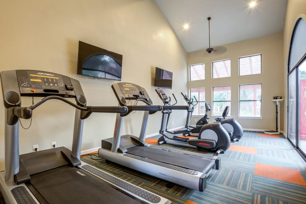 Luxury fitness center at Renaissance Apartment Homes in Phoenix, Arizona