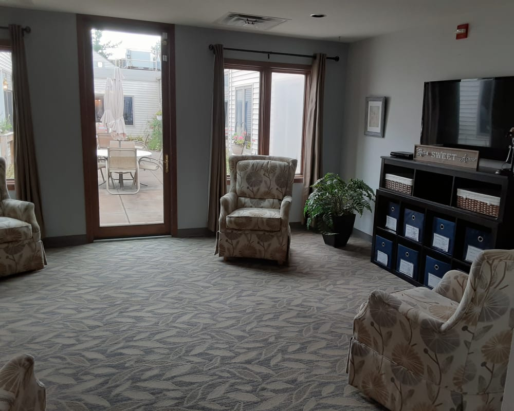 Spacious apartments are available at The Atrium in Rockford, Illinois.