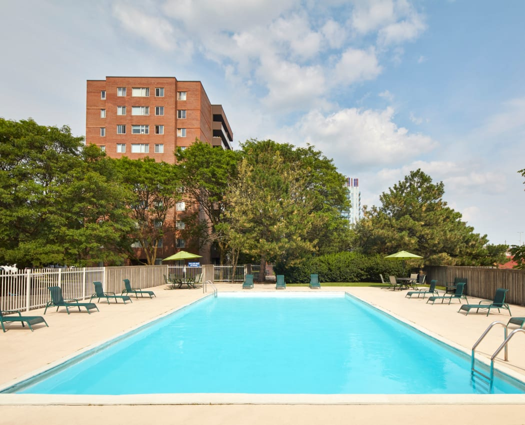 Shimmering swimming pool at Richmond Hill Apartments in Richmond Hill, Ontario