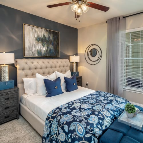 View virtual tour for 1 bedroom 1 bathroom home at The Retreat at Cinco Ranch in Katy, Texas