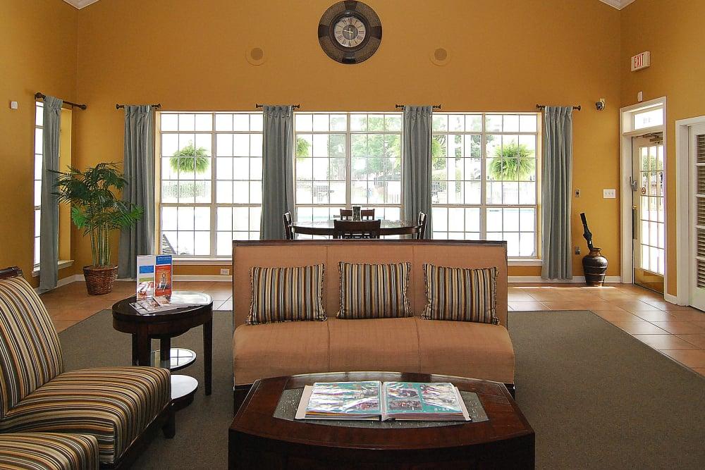 Spacious living room at Huntington Place in Columbia, South Carolina