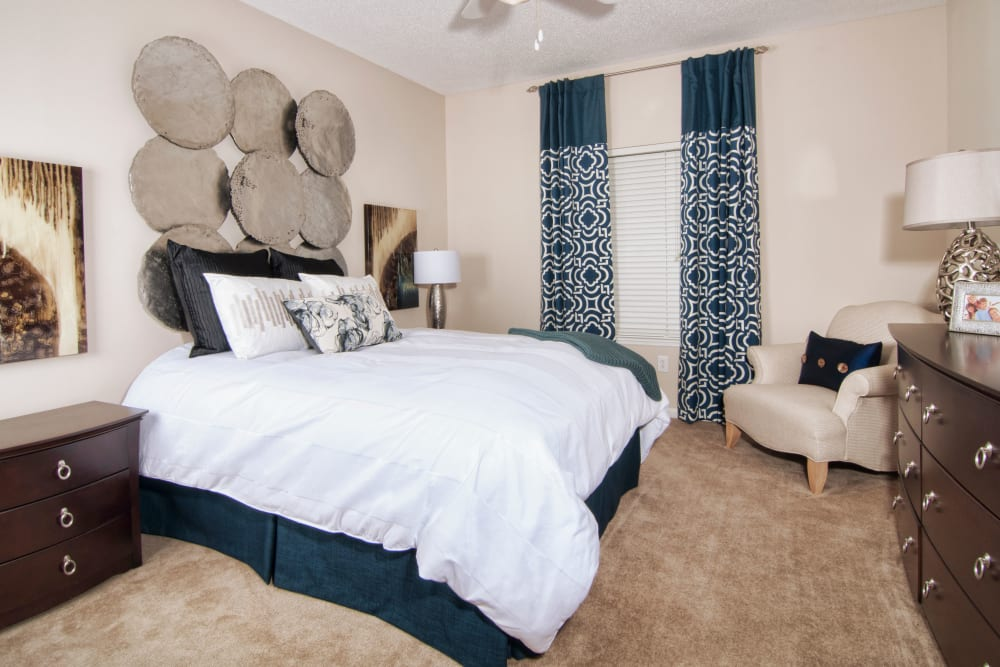 Spacious bedrooms at Amber Chase Apartment Homes in McDonough, Georgia