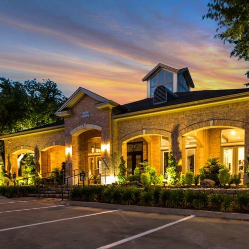 Resident referral bonus at Brooks on Preston in Plano, Texas