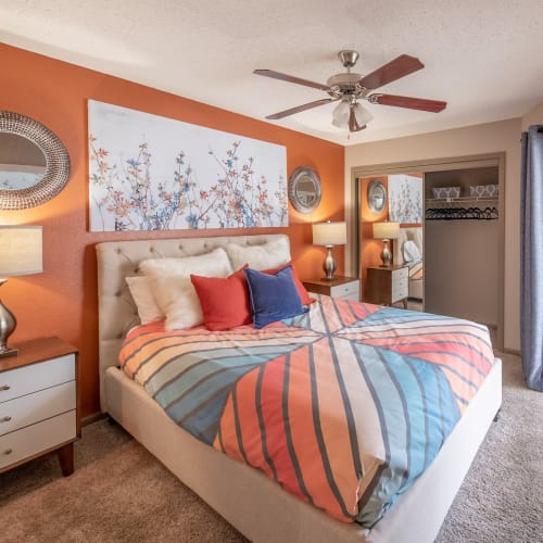 View virtual tour for 1 bedroom 1 bathroom home at Ridgeview Place in Irving, Texas